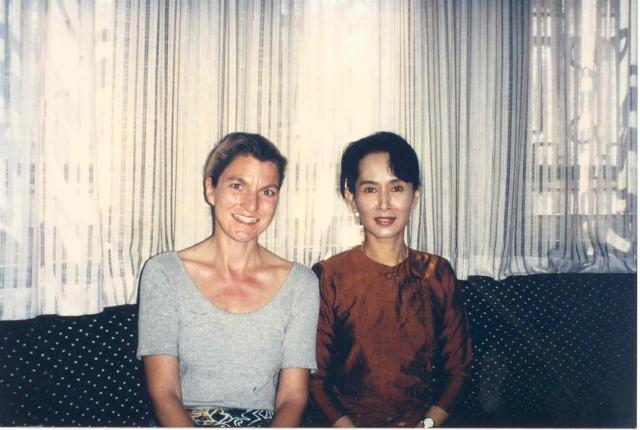 1996, zwischen zwei Hausarresten, habe ich Aung San Suu Kyi in ihrem Haus in Rangoon getroffen.