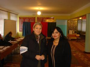 Mit meiner Dolmetscherin in Baku, Aserbaidschan.