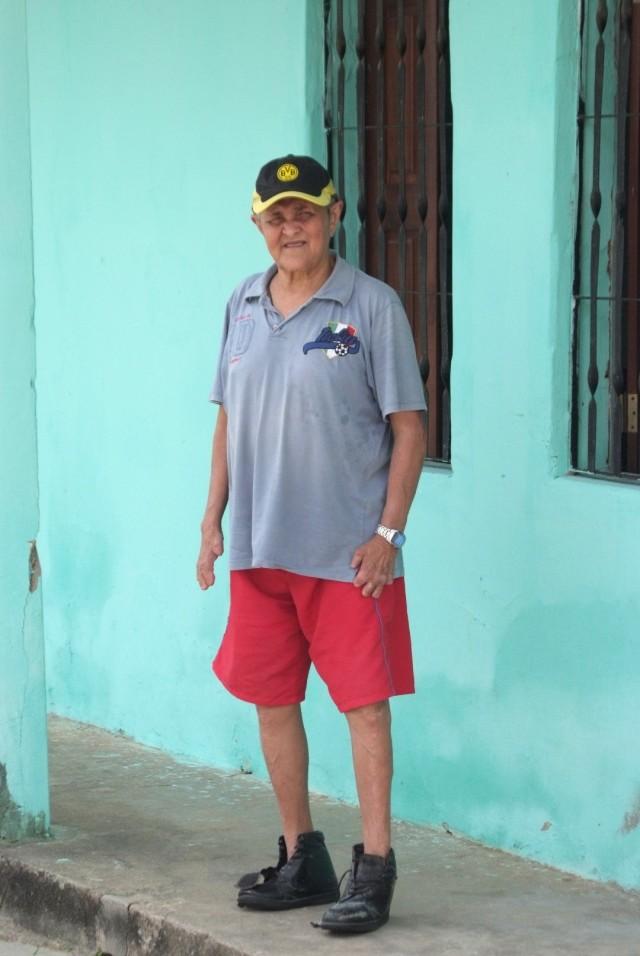 Flavio vor seinem Elternhaus in Bom Fim.