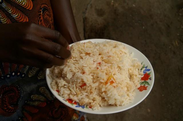 Heute gibt es Reis mit Gemüse.