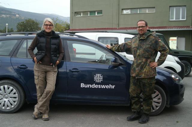 Mit dem Presseoffizier der Bundeswehr vor Ort. Hervorragende Organisation meines Besuches.
