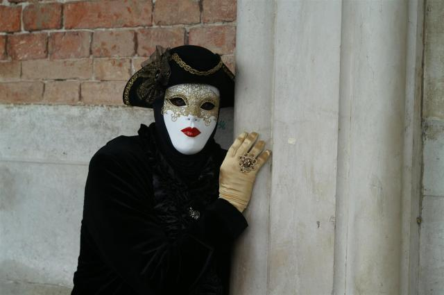 Zum Karneval nach Venedig./Carnival in Venice.
