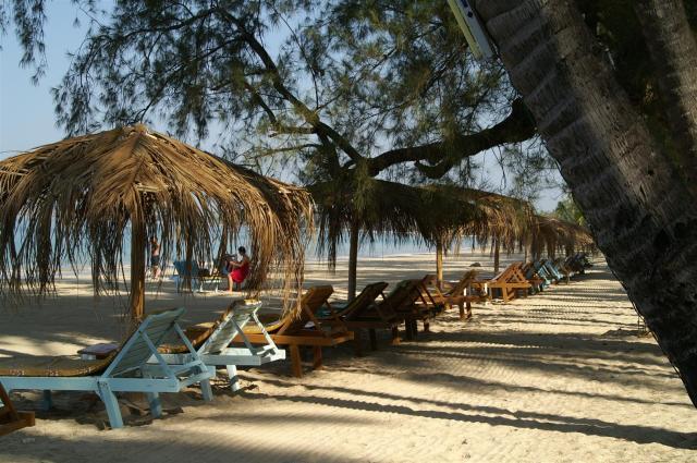 Am Strand in Ngapali./Myanmar beach life.