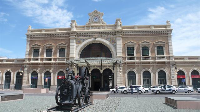 Der Bahnhof.