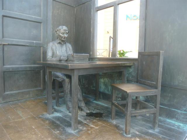 Die Kinderbuchautorin in Bronze in Vimmerby.