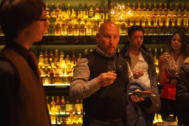 Enrico aus Padua liebt Single Malt-Whisky.