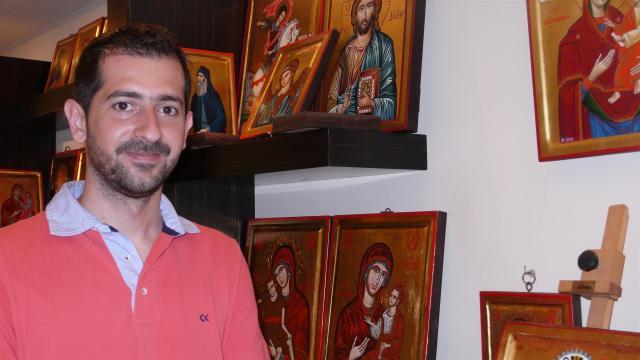"""Ikonenhändler Aris Tamvakis: """"Die goldenen Meisterwerke beziehen wir direkt von den Mönchen."""""""
