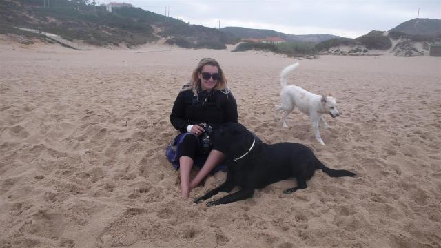 Suzie, owner of Magikvanilla, with her 2 dogs.