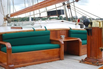 Eye of the Wind Detail Deck by Forum train & sail. 640 x 430