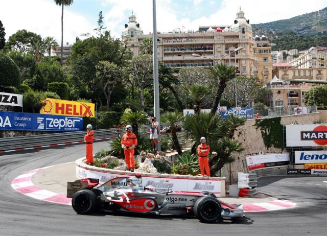 GP F1 DE MONACO 2007LE PILOTE FERNANDO ALONSO SUR MC LAREN VAINQUEUR DU GP