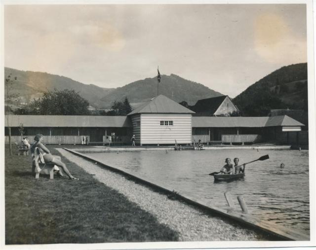 Schwimmbad Glottertal (Large)